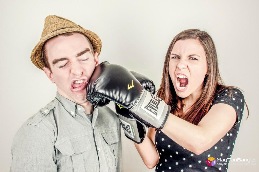 9 Hal Yang Harus Dilakukan Saat Pasangan Selingkuh